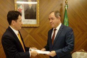 Đại sứ Nguyễn Thành Vinh trình Thư Ủy nhiệm lên Tổng thống Algeria