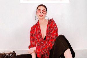 'Mẹ bỉm sữa' Lan Khuê hờ hững vòng một 'ăn đứt' dàn mỹ nhân Việt sexy ngày Tết