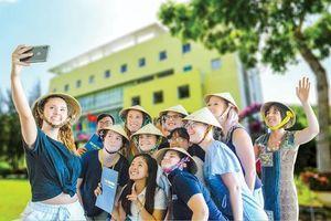 Trường Đại học Trà Vinh: Mô hình cho cộng đồng