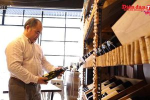 Rượu vang mở nắp để được bao lâu?