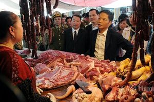 Bộ trưởng Trần Tuấn Anh thị sát tình hình thương mại biên giới tại Lạng Sơn
