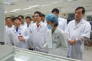 Phó Thủ tướng Vũ Đức Đam yêu cầu sẵn sàng ngăn chặn dịch viêm phổi lạ