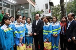 Bí thư Thành ủy Hà Nội thăm, động viên một số đơn vị trực phục vụ Tết