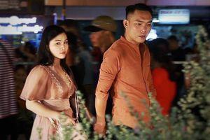 Biển người dạo chơi phố đi bộ Nguyễn Huệ trước giao thừa