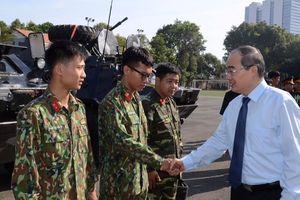 Đoàn đại biểu TP Hồ Chí Minh thăm, chúc tết các đơn vị lực lượng vũ trang