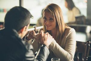 Chán chồng 'lên tận cổ' vẫn dứt khoát không ly hôn vì sợ... mất tiền
