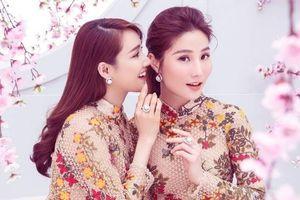 Diễm My 9X cùng Nhã Phương 'chị chị em em', khoe sắc đón Tết trước tuổi 30
