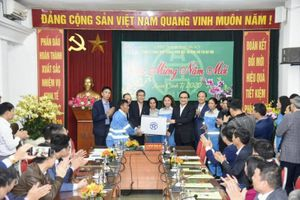 Lãnh đạo TP Hà Nội thăm, chúc Tết công nhân vệ sinh môi trường đô thị