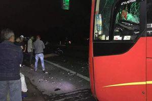Va chạm kinh hoàng với xe khách, 3 thanh niên đi trên xe máy tử vong