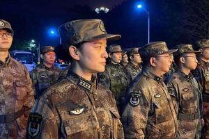 Trung Quốc điều 450 quân y đến 'ổ dịch' Vũ Hán