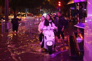 Cảnh báo mưa to, ngập úng nội thành Hà Nội ngày mùng 1 Tết