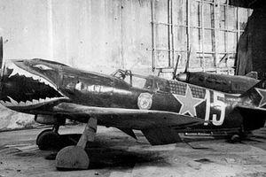 Ảnh hiếm về cách trang trí chiến cơ của phi công Liên Xô