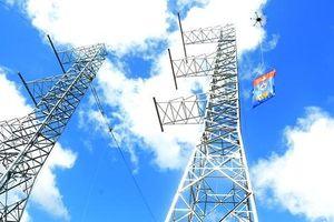 Xây dựng đường dây 500 kV mạch 3: Cán bộ, công nhân làm việc xuyên Tết để đảm bảo tiến độ