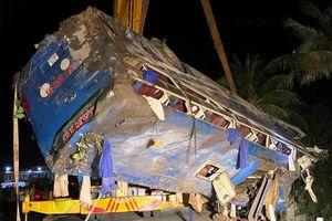Phú Yên: Lật xe khách, 26 người bị thương