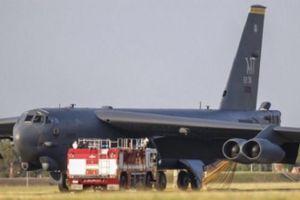 Máy bay ném bom Mỹ phải hạ cánh khẩn cấp tại Tây Ban Nha
