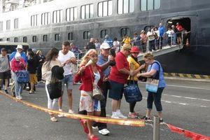 1.250 du khách quốc tế 'xông đất' Đà Nẵng bằng siêu tàu du lịch biển