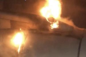 Máy bay Iran hạ cánh khẩn vì động cơ bốc cháy ngùn ngụt