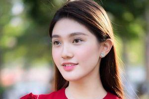 Nhan sắc đời thường của hoa khôi Đại học Hoa Sen