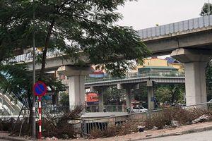 Hà Nội: Một bộ phận người dân vẫn xả rác ra sông Tô Lịch