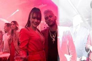 Siêu mẫu người Nga cố tình che giấu mối tình với Neymar
