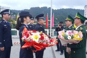 Các đơn vị BĐBP Lào Cai và lực lượng quản lý, bảo vệ biên giới tỉnh Vân Nam gặp gỡ, chúc mừng năm mới