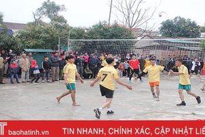 Can Lộc vui thể thao mừng năm mới Canh Tý