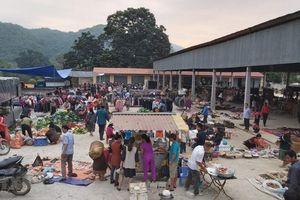 Chợ phiên biên giới Na Mèo: Điểm giao thương của người dân Việt-Lào