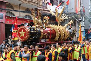 Tưng bừng lễ hội rước pháo Đồng Kỵ tại Bắc Ninh