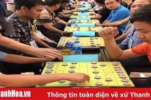Các kỳ thủ của 8 huyện, thị xã, thành phố tranh tài cờ thẻ, cờ tướng Xuân Canh Tý 2020