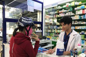 Người dân TPHCM đổ xô mua khẩu trang cao cấp để chống dịch Corona