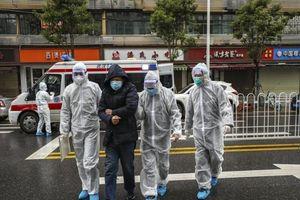 Quan chức Vũ Hán hứng chỉ trích vì cách ứng phó với đại dịch