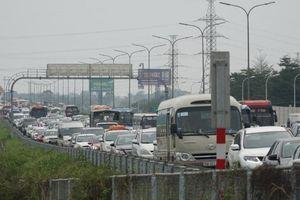 Giao thông Thủ đô ùn tắc nghiêm trọng ngày cuối kỳ nghỉ Tết