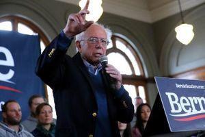 Ứng cử viên Bernie Sanders vươn lên dẫn đầu tại California