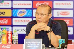 HLV Park Hang Seo trở lại Việt Nam xem Công Phượng đối đầu Quang Hải