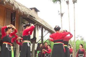 Độc đáo 'điệu múa Tết' của dân tộc Cao Lan ở Tuyên Quang