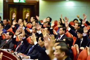90 năm Ngày thành lập Đảng Cộng sản Việt Nam: Đổi mới để hùng cường