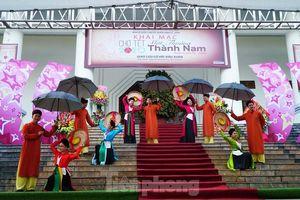 Ấn tượng với chợ Tết 'Một thoáng Thành Nam'