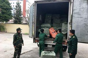 Phát hiện vụ dùng ô tô vận chuyển 20 bao tải khẩu trang y tế sang Trung Quốc bán kiếm lời