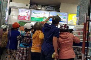 Giá khẩu trang y tế tăng cao, bán nhỏ giọt ở Tiền Giang, Bến Tre