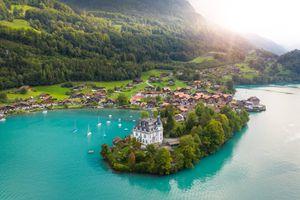 Vẻ đẹp ngôi làng trong phim 'Hạ cánh nơi anh'