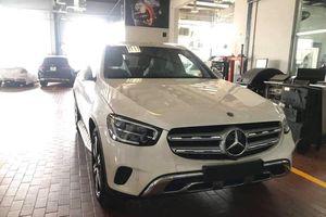 Mercedes-Benz GLC 200 phiên bản mới bất ngờ có mặt tại đại lý, chờ ngày mở bán chính thức