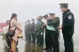 Giữa tâm dịch Viruts Corona, Trung Quốc trao trả 8 công dân Việt Nam