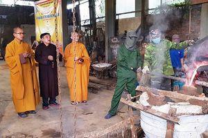 Nghệ An : Chùa Đức Hậu rót đồng tôn tượng Đức Phật A Di Đà