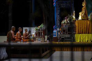 Tại sao tay súng Thái Lan đến ngôi đền trước khi ra tay ở Terminal 21?