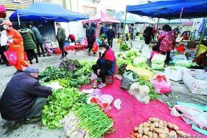 Nhiều khu chợ tại 'tâm dịch' Vũ Hán mở cửa trở lại