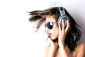 Những bệnh 'khủng khiếp' có thể mắc phải vì thường xuyên đeo tai nghe