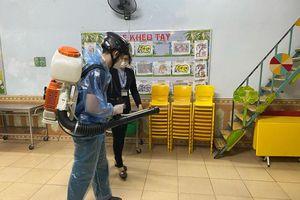 Quy trình tiêu độc, khử trùng dụng cụ, bàn ghế trường học như thế nào?