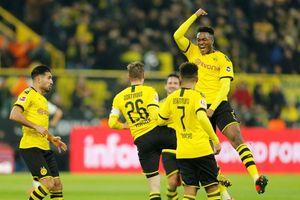 Dortmund áp sát ngôi đầu sau màn 'hủy diệt' Eintracht Frankfurt