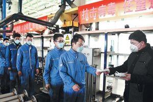Doanh nghiệp Trung Quốc vẫn ì ạch vì virus corona dù hoạt động lại