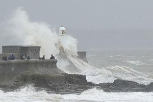 Châu Âu hứng chịu hai cơn bão trong vòng bảy ngày